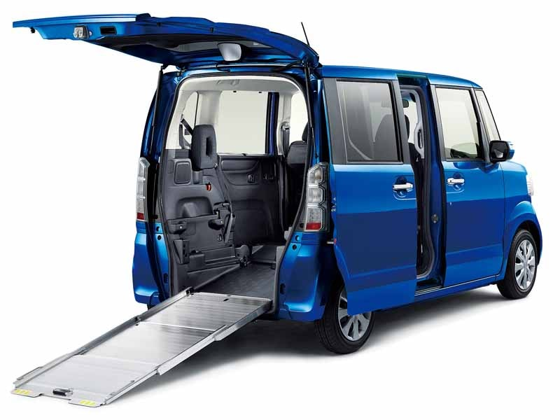 honda-launched-the-special-edition-models-of-the-n-box-and-n-box-20150711-2-min