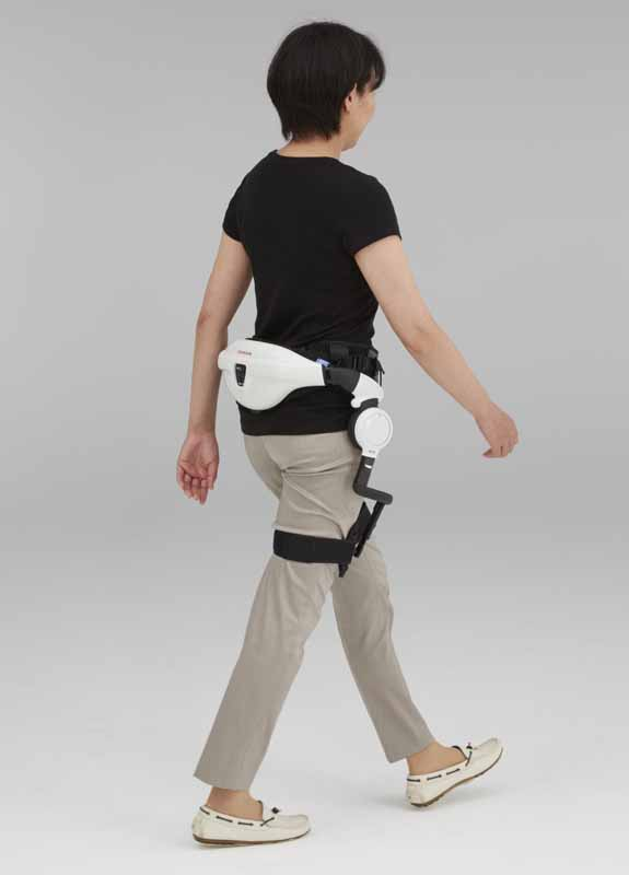 honda-propose-a-joy-to-go-to-more-people-honda-walking-assist-announcement20150721-6