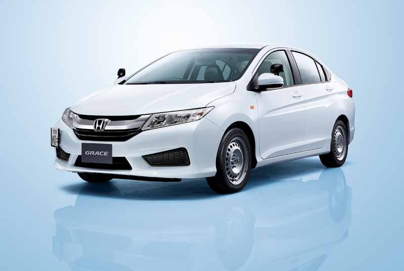 honda-setting-launched-a-training-car-compact-sedan-grace20150716-2-min