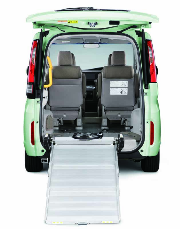 honda-to-add-a-wheelchair-specification-car-to-the-new-step-wagon-and-step-wagon-spada20150731-2