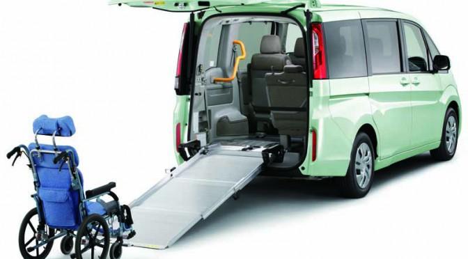 ホンダ、新型ステップ ワゴンとステップ ワゴン スパーダに車いす仕様車を追加