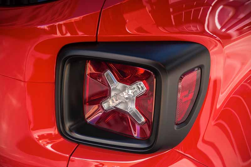 jeep-the-first-small-suv-Jeep-renegade-this-autumn-to-japan-released2015-07-13-17-min