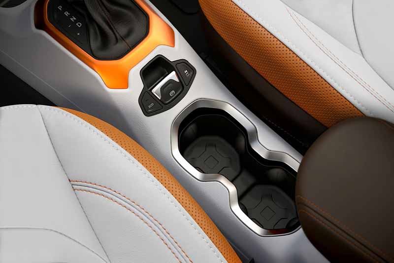 jeep-the-first-small-suv-Jeep-renegade-this-autumn-to-japan-released2015-07-13-22-min