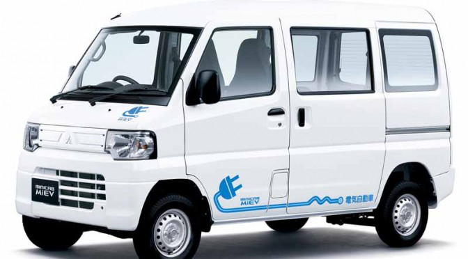 三菱軽商用EV、MINICAB-MiEVシリーズ急速充電機能標準装備で価格引き下げ