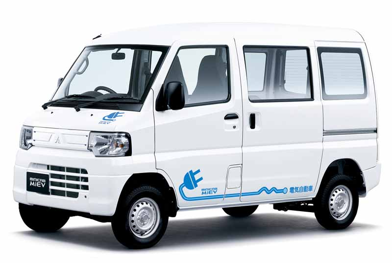 mitsubishi-light-commercial-ev-price-cuts-in-the-minicab-miev-series-rapid-charging-function-standard-equipment20150729-2
