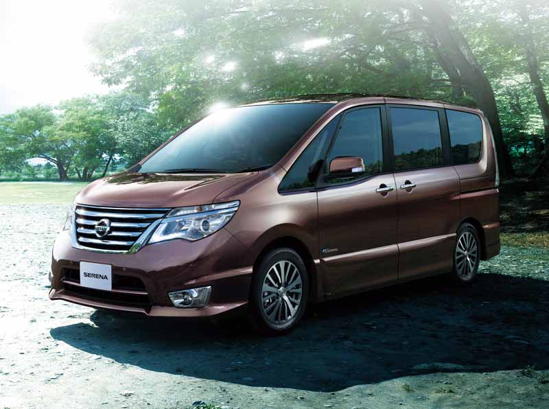 nissan-special-specification-car-3-launch-vehicle-of-serena20150715-2-min