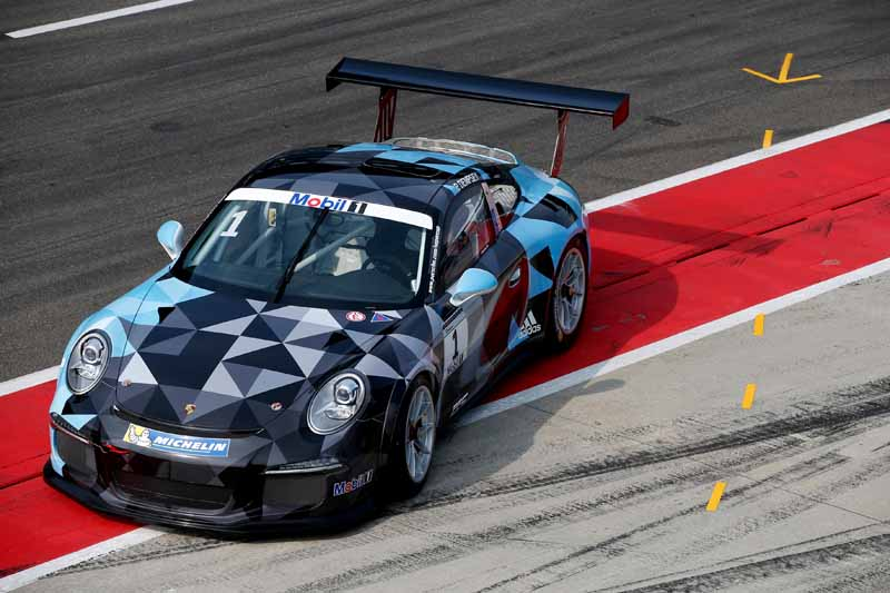 sebastien-loeb-and-patrick-dempsey-are-competing-in-the-top-race-of-the-porsche-cup20150731-4