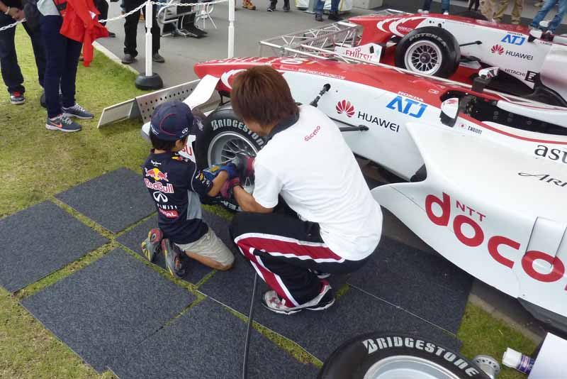 the-science-of-super-formula-in-independent-research-summer-vacation-experimental-classroom-held20150726-2