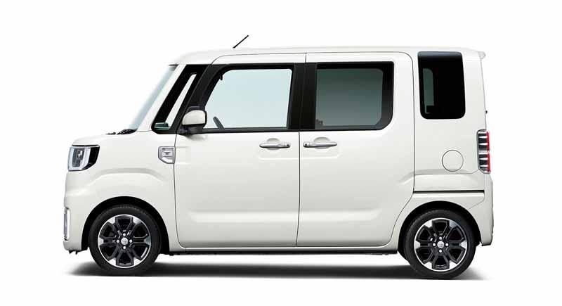 toyota-introduces-new-mini-passenger-car-pyxis-mega20150703-5-min