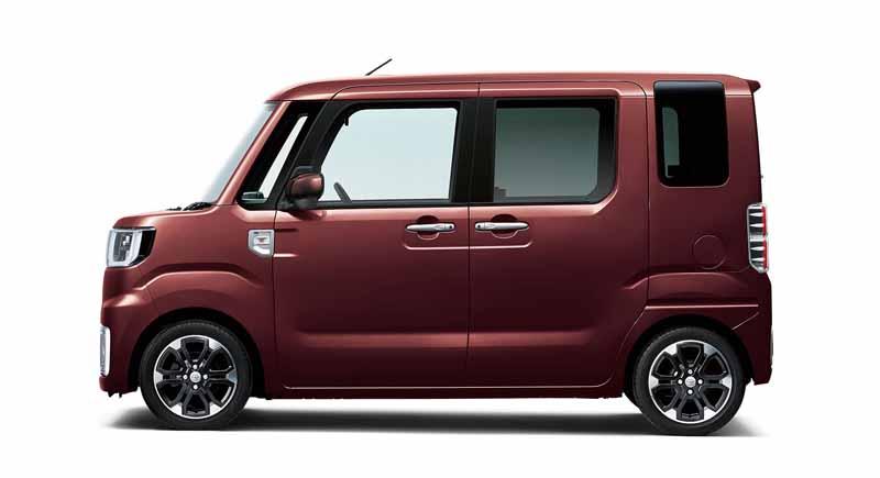 toyota-introduces-new-mini-passenger-car-pyxis-mega20150703-8-min