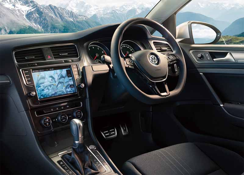volkswagen-crossover-4wd-wagon-golf-alltrack-new-release20150721-4