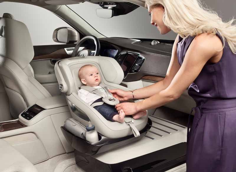 volvo-a-little-luxury-to-publish-the-new-child-seat-concept20150703-3-min