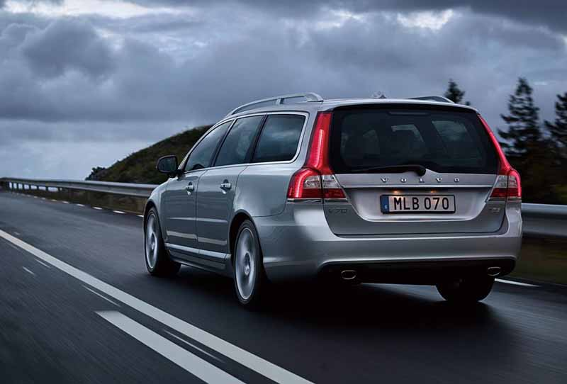 volvo-v70-classic-xc70-classic-launch-of-the-estate-model20150712-10-min