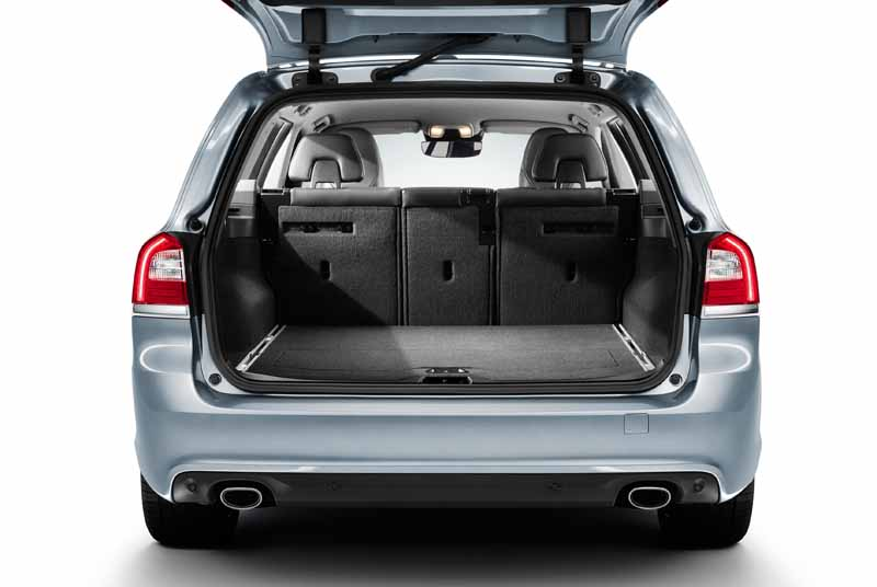 volvo-v70-classic-xc70-classic-launch-of-the-estate-model20150712-3-min