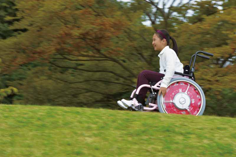 yamaha-for-childrens-wheelchairs-electric-assist-jwx-2-kids-design-award20150711-2-min
