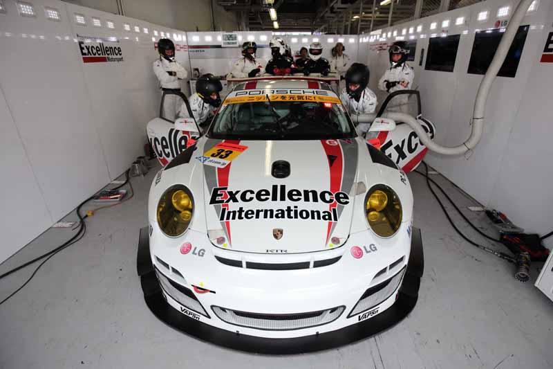 super-gt-suzuka-·-gt300-qualifying-porsche-team-ktr-miss-the-q2-advance20150830-2