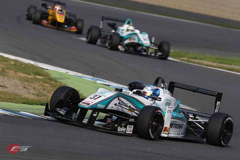 2015-all-japan-f3-championship-round-14-fukuzumi-hitoshimine-is-f3-first-victory-at-the-paul-to-win20150826-2