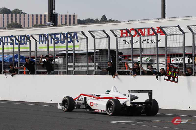 2015-all-japan-f3-championship-round-14-fukuzumi-hitoshimine-is-f3-first-victory-at-the-paul-to-win20150826-5