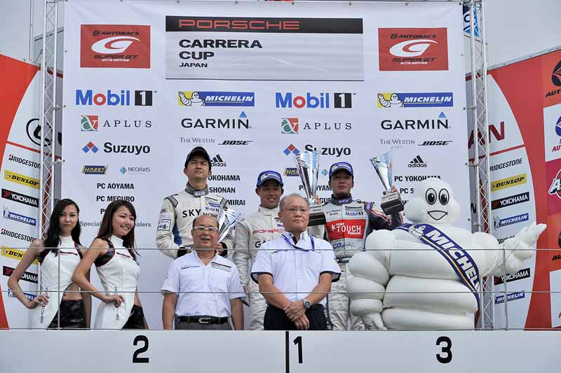2015-porsche-carrera-cup-japan-round-8-8-game-winning-streak-from-5