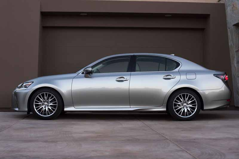 2016-lexus-gs-200t-the-us-and-the-official-debut-at-the-monterey-car-weekend20150816-16
