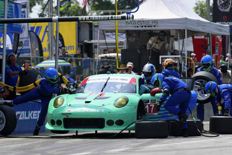 us-·-ussc-round-8-911-rsr-four-game-winning-streak-porsche-leads-in-all-departments20150825-8