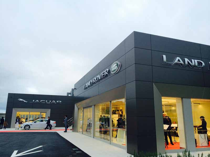 829-open-in-the-site-area-of-the-jaguar-land-rover-mito-regular-dealer-network-largest20150829-1