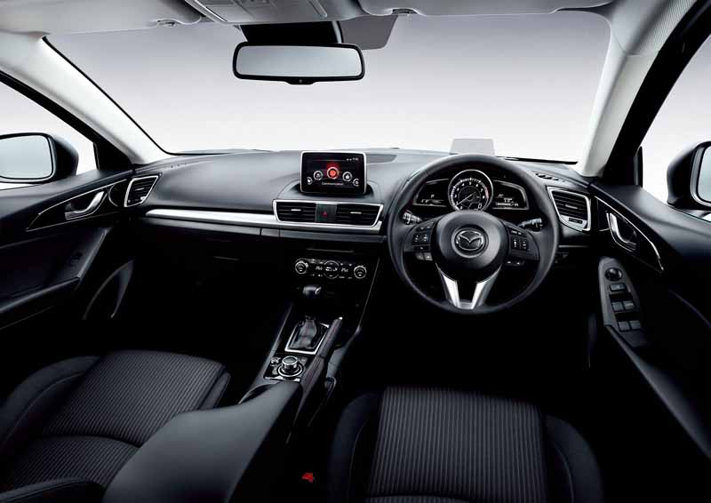mazda-axela-improving-fuel-efficiency-in-the-safety-equipment-expansion-·-at-control-improvements20150827-4