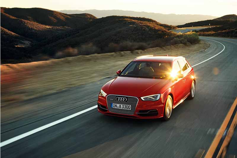 adoption-toyo-europe-studless-snowprox-s953a-to-audi-a3-new-car-mounting-tires20150804-2