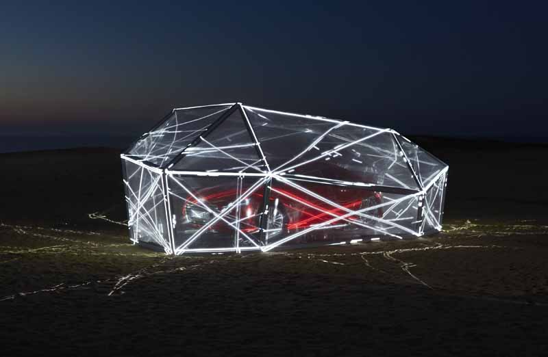 audi-limited-exhibit-the-futuristic-monument-that-mimics-the-new-audi-tt-in-tottori20150828-3