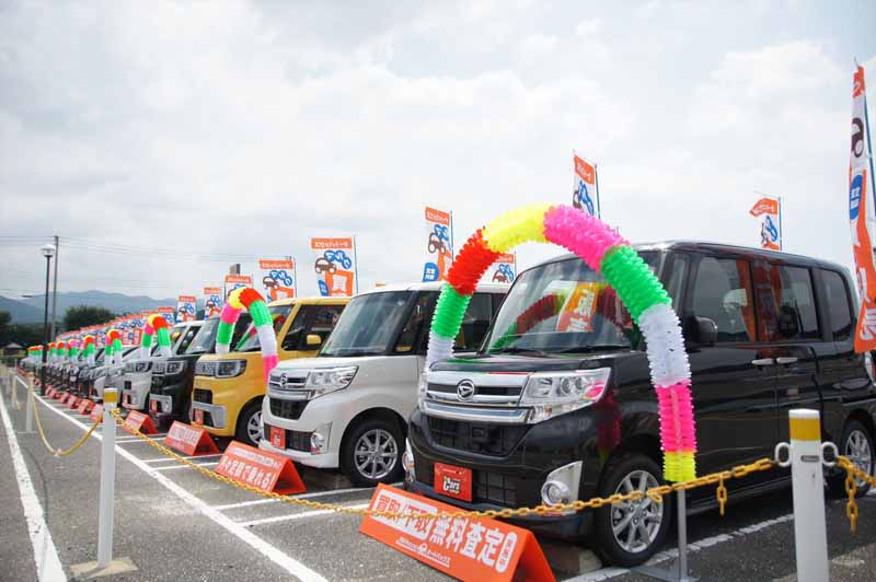 autobacs-and-limited-opened-a-car-purchase-and-sales-bases-in-fukuoka-prefecture-of-commercial-complex-pastorius20150802-1
