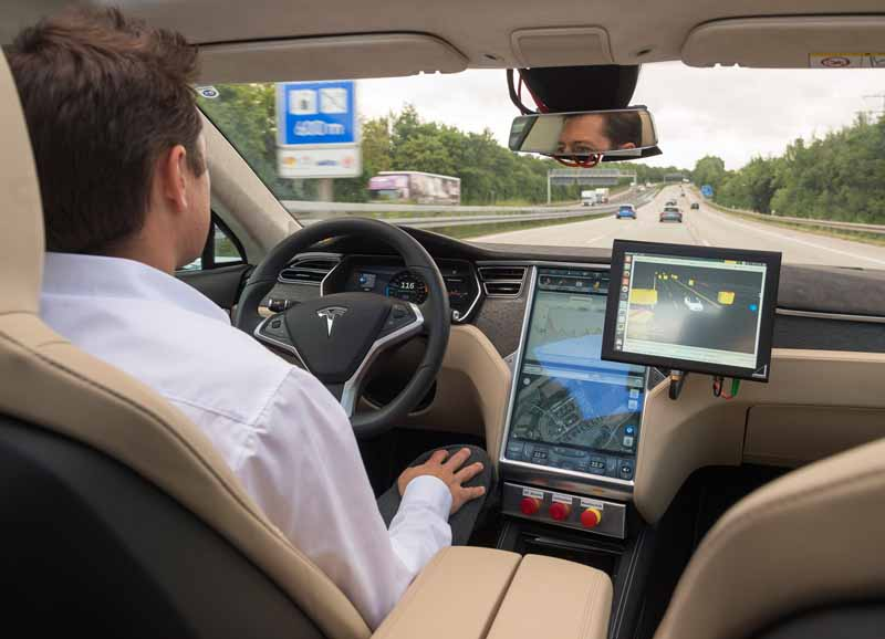 bosch-and-tomtom-is-partnership-in-the-map-produced-technology-for-automatic-operation20150806-1