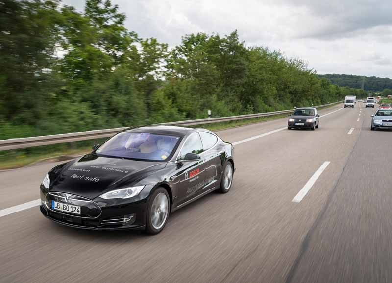 bosch-and-tomtom-is-partnership-in-the-map-produced-technology-for-automatic-operation20150806-2