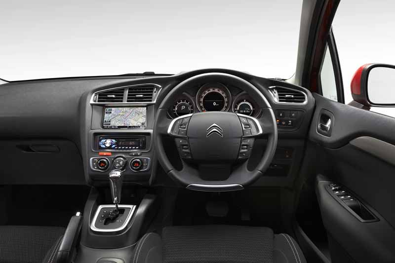 citroen-c4-launch-and-navigation-special-gift-to-purchase-the-first-100-units20150825-3