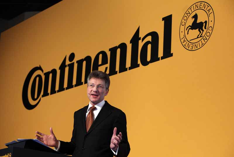 continental-the-first-half-strong-it-forecasts-a-11-upward-revision-of-adjusted-ebit-margin20150815-3