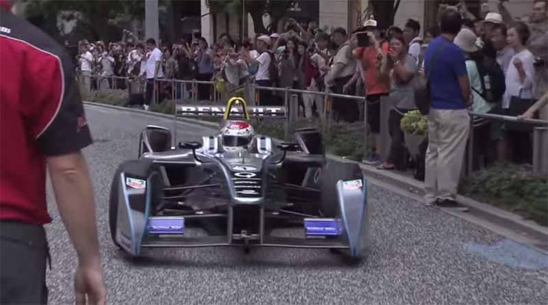 demonstration-run-of-formula-e-is-carried-out-in-keyakizaka-tokyo-roppongi-street20150824-1