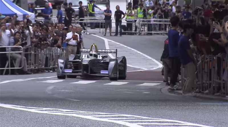 demonstration-run-of-formula-e-is-carried-out-in-keyakizaka-tokyo-roppongi-street20150824-7