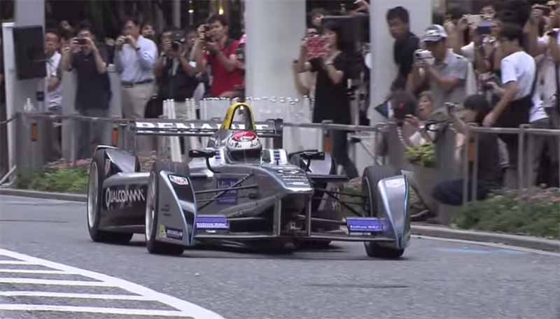 demonstration-run-of-formula-e-is-carried-out-in-keyakizaka-tokyo-roppongi-street20150824-9