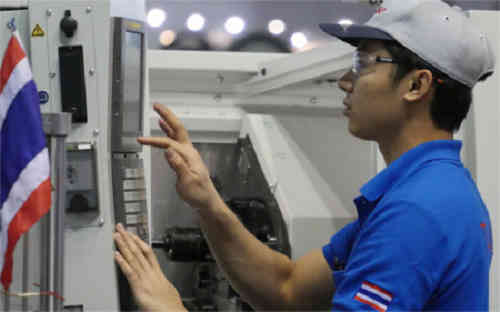 denso-medal-in-the-43rd-and-skills-olympics-international-tournament-5-job20150817-2