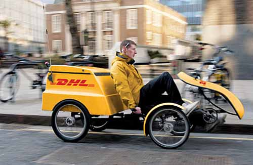 dhl-the-encouragement-prize-winner-in-2015-fiscal-year-customer-support-award-system20150823-4