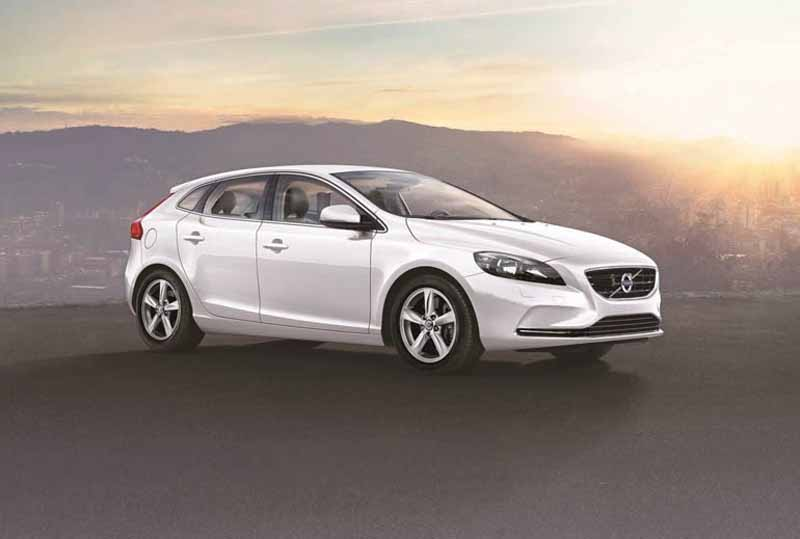 equipped-with-a-newly-developed-1-5l-downsizing-turbo-engine-in-the-volvo-v40-series20150820-1