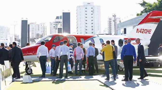 HondaJet、ブラジル航空ショーで南米初公開