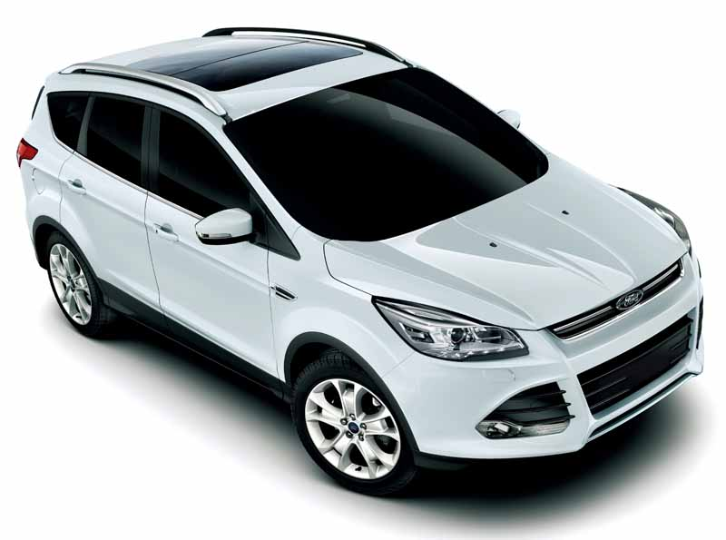 improved-ford-kuga-2-0l-ecoboosttm-and-1-5l-ecoboosttm-engine-new-equipped20150809-11