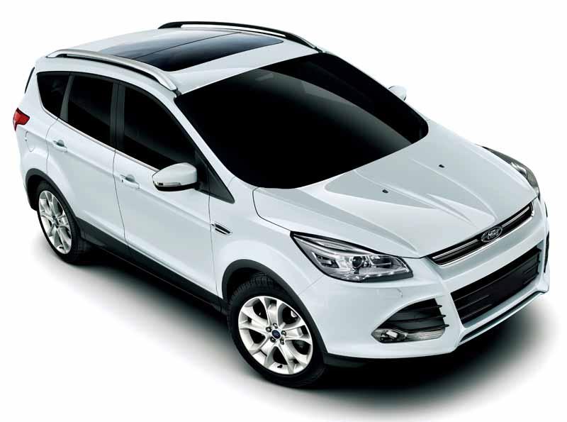 improved-ford-kuga-2-0l-ecoboosttm-and-1-5l-ecoboosttm-engine-new-equipped20150809-11