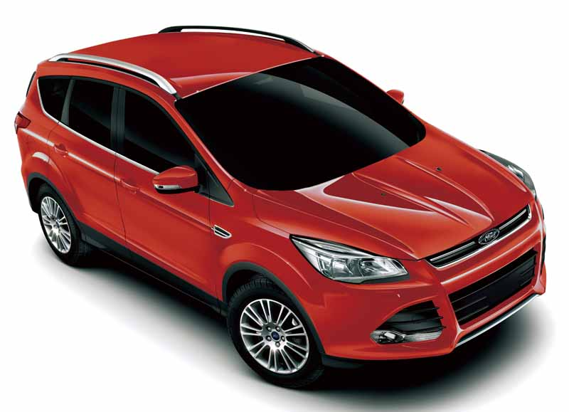 improved-ford-kuga-2-0l-ecoboosttm-and-1-5l-ecoboosttm-engine-new-equipped20150809-3