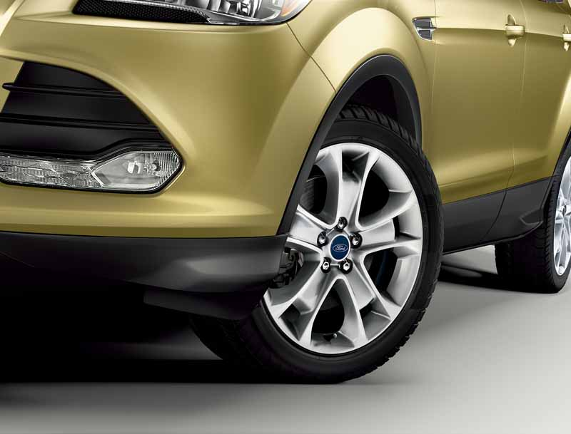 improved-ford-kuga-2-0l-ecoboosttm-and-1-5l-ecoboosttm-engine-new-equipped20150809-7
