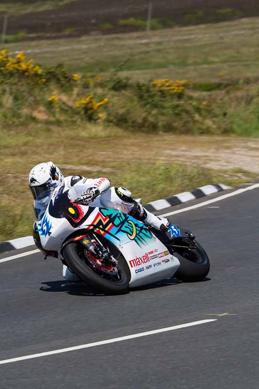 isle-of-man-tt-race-2015-consecutive-mugen-on-board-video-of-the-public-ev-racer-equipped20150813-2
