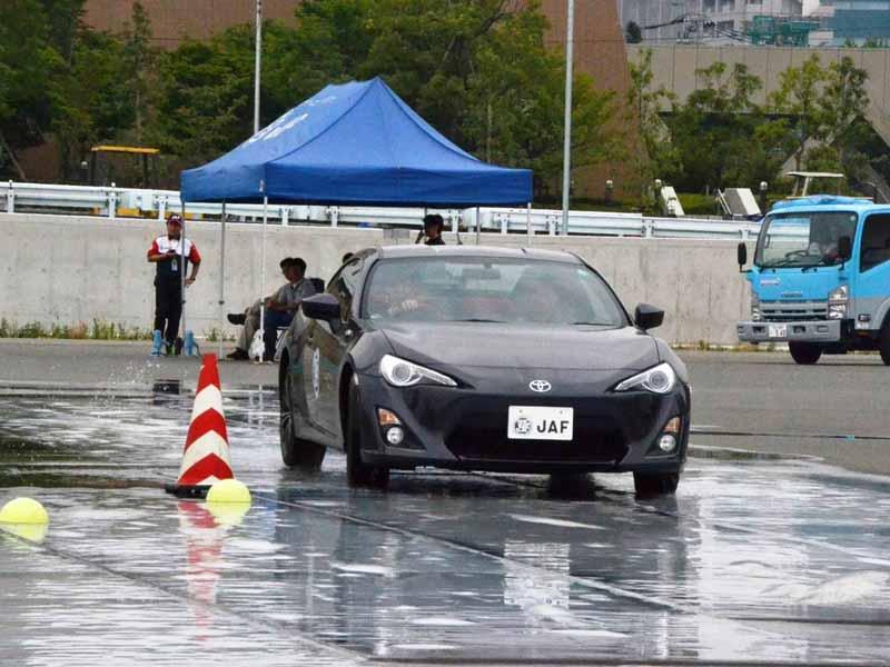 jaf-nagano-four-years-october-4-sun-safety-training-nagano-esc-course-held20150803-5