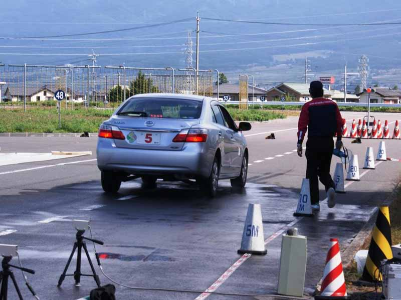 jaf-nagano-senior-drivers-school-a-half-day-course-held-10320150823-4