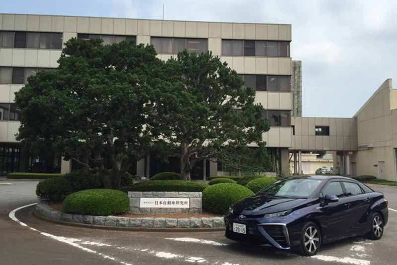 japan-automobile-research-institute-to-conduct-publicity-and-educational-activities-of-hydrogen-energy-in-toyota-mirai20150813-1