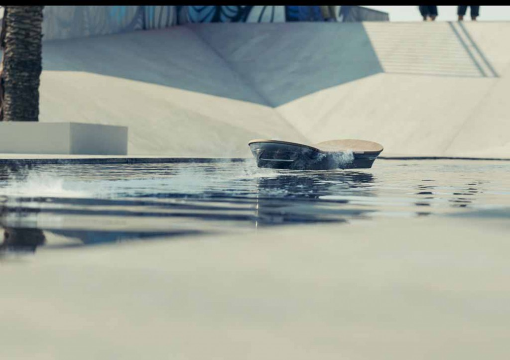 lexus-and-expose-the-full-extent-of-the-topic-of-the-hover-board-amazing-in-motion-4th-slide20150804-3